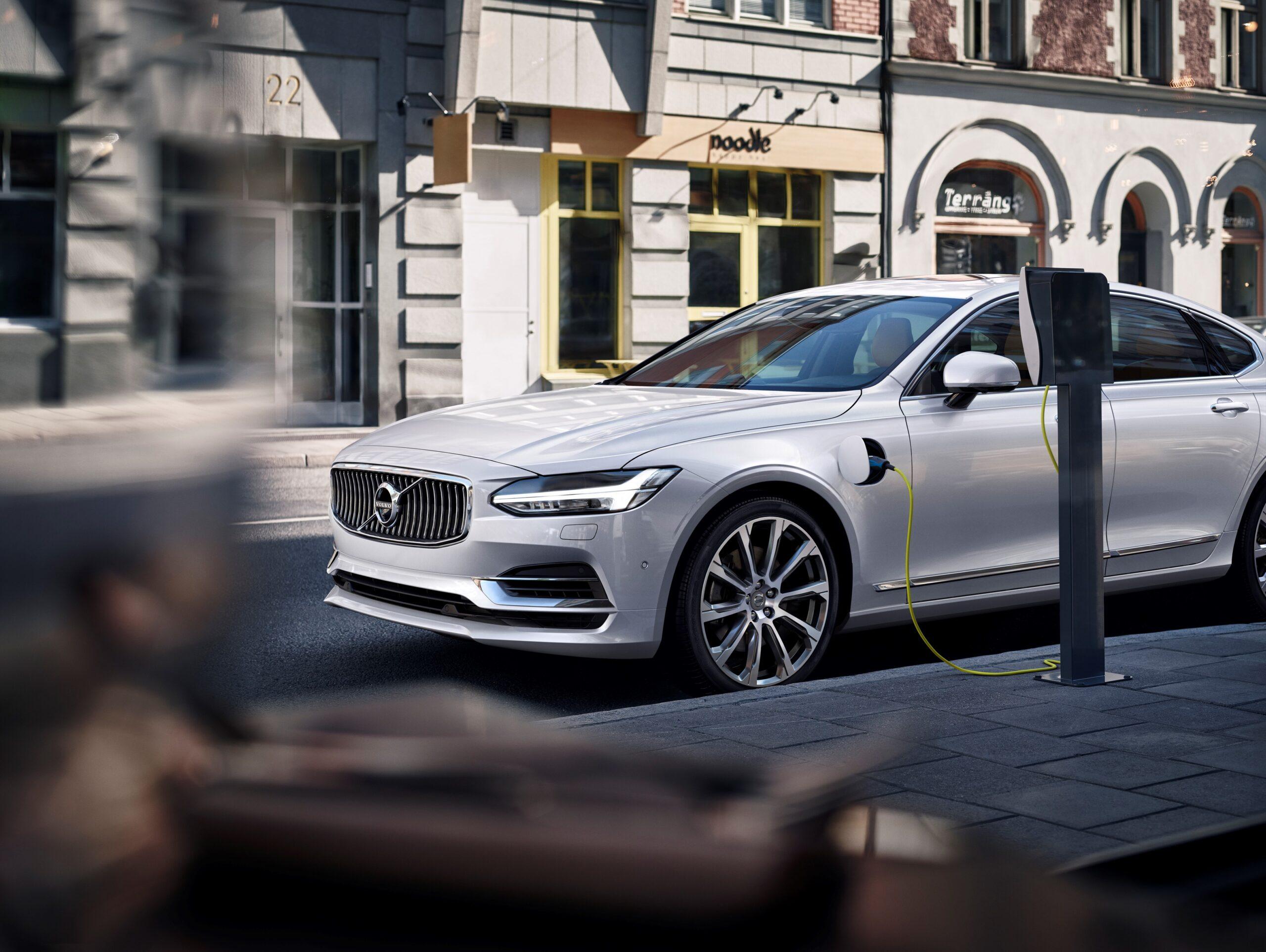 Volvo: le Auto Elettriche saranno vendute solamente online